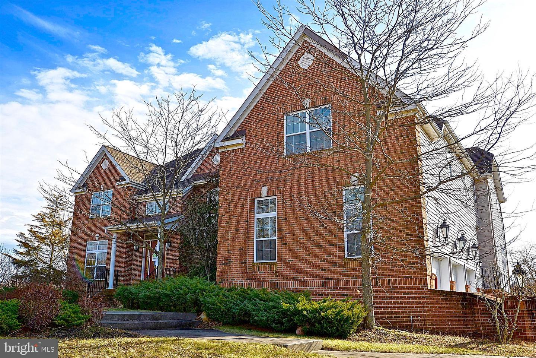 Maison unifamiliale pour l Vente à 11 BELMONT Circle Columbus, New Jersey 08022 États-Unis