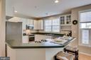 Large open kitchen - 25292 RIPLEYS FIELD DR, CHANTILLY