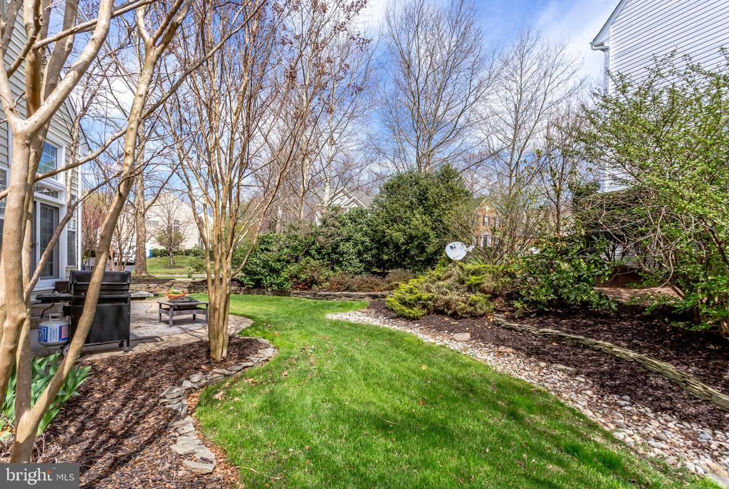 True serenity in your back yard! - 25292 RIPLEYS FIELD DR, CHANTILLY