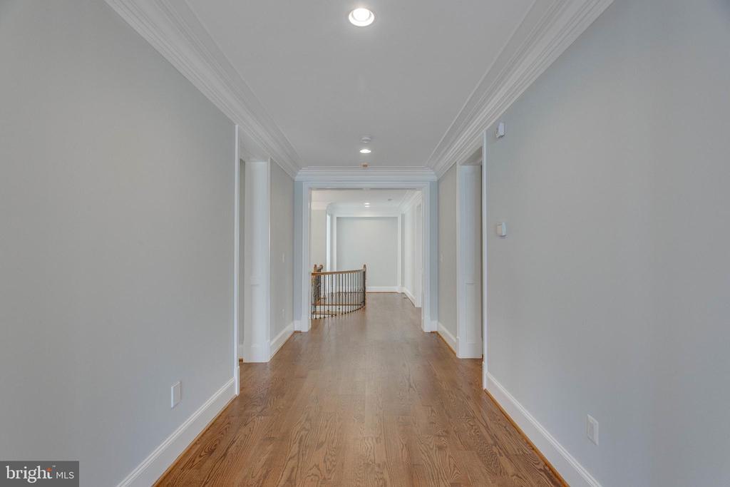 Upper Level Hallway - 13649 LELAND RD, CENTREVILLE