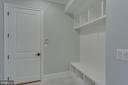 Mud Room - 13649 LELAND RD, CENTREVILLE