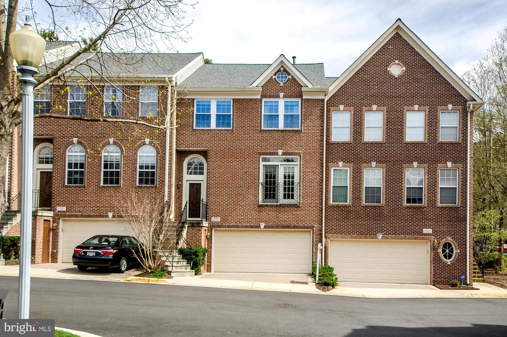 102  LOUNSBURY PLACE, one of homes for sale in Falls Church