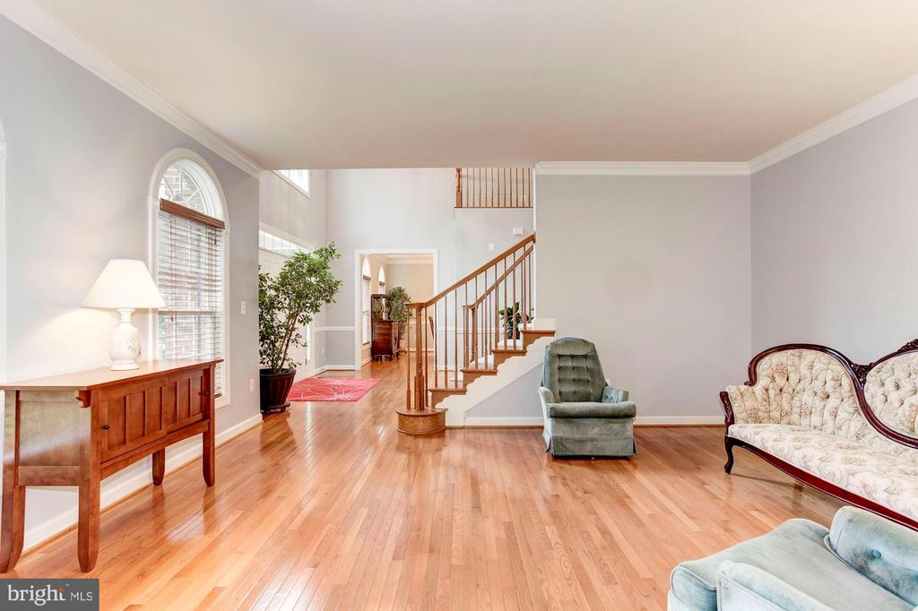 Formal Living Room - 8643 WOODWARD AVE, ALEXANDRIA