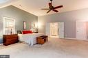 The ceiling fan's through-out are delightful - 8643 WOODWARD AVE, ALEXANDRIA
