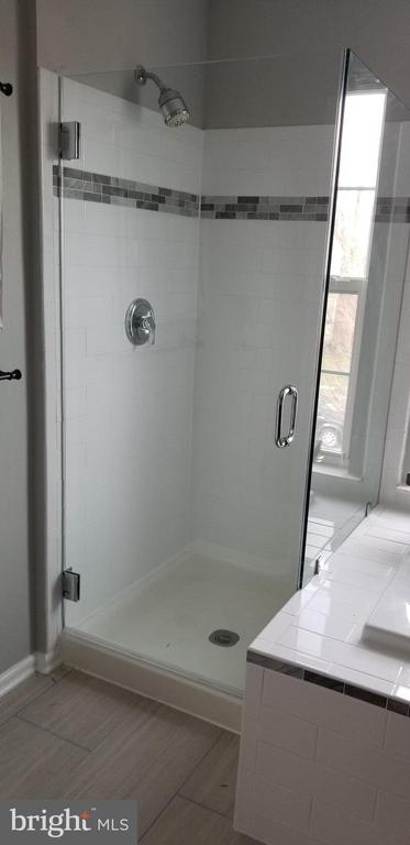Brand New Seamless Shower Doors - 1248 BARKSDALE DR NE, LEESBURG