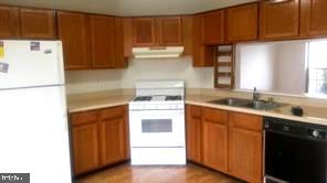 Large kitchen area with pantry and table space - 12243 GRANADA WAY, WOODBRIDGE