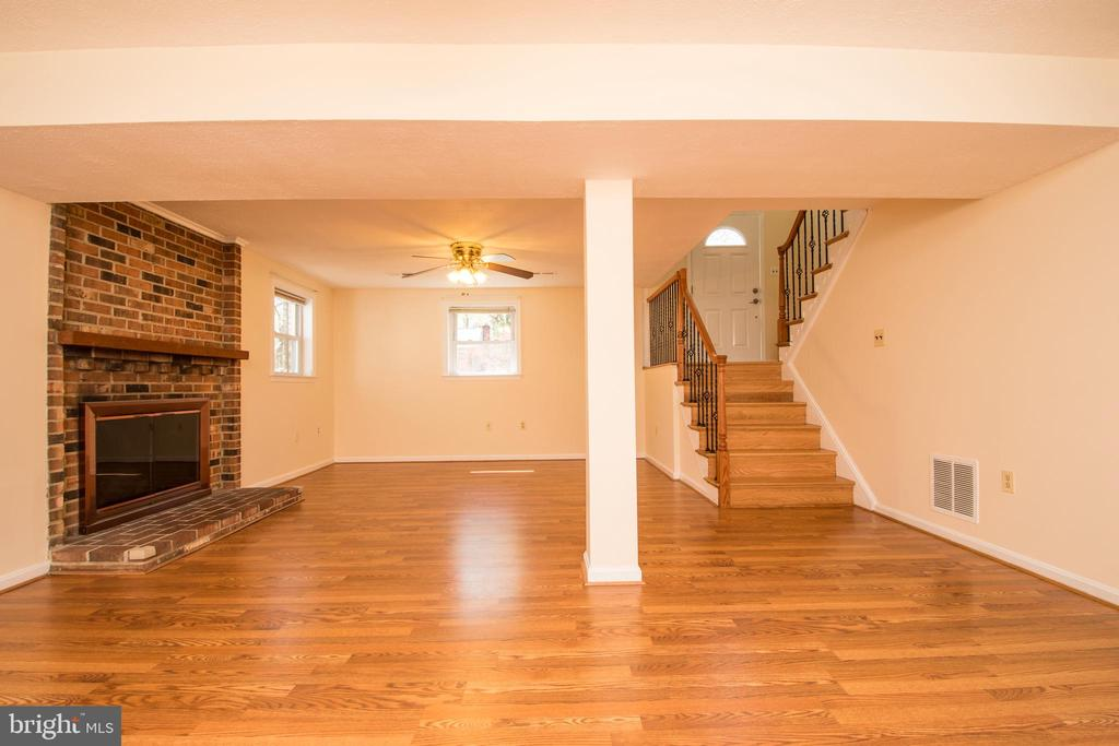 - 4718 BRIAR PATCH LN, FAIRFAX