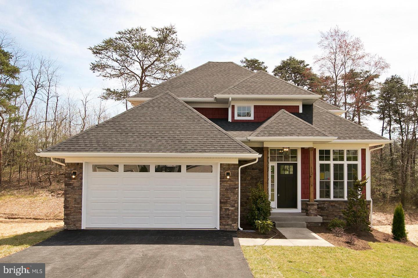 Single Family for Sale at 112 Colonial Dr 112 Colonial Dr Cross Junction, Virginia 22625 United States