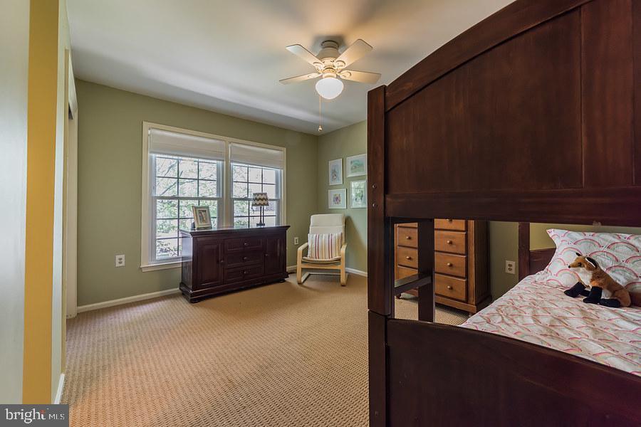 2nd master bedroom - 2552-C S ARLINGTON MILL DR #2, ARLINGTON
