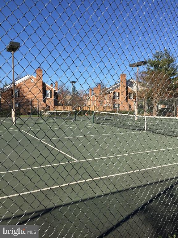 Tennis Courts - 2552-C S ARLINGTON MILL DR #2, ARLINGTON