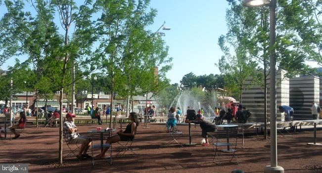 Splash Park - 2415 9TH ST S, ARLINGTON