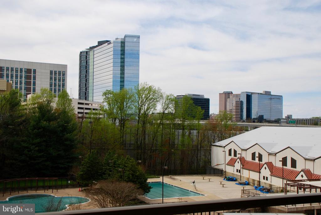 3  pools & our neighbor, the Sport & Health Club - 1800 OLD MEADOW RD #606, MCLEAN