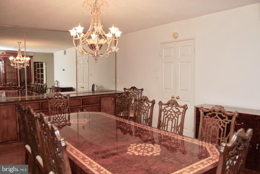 Dining Room - 1800 OLD MEADOW RD #606, MCLEAN