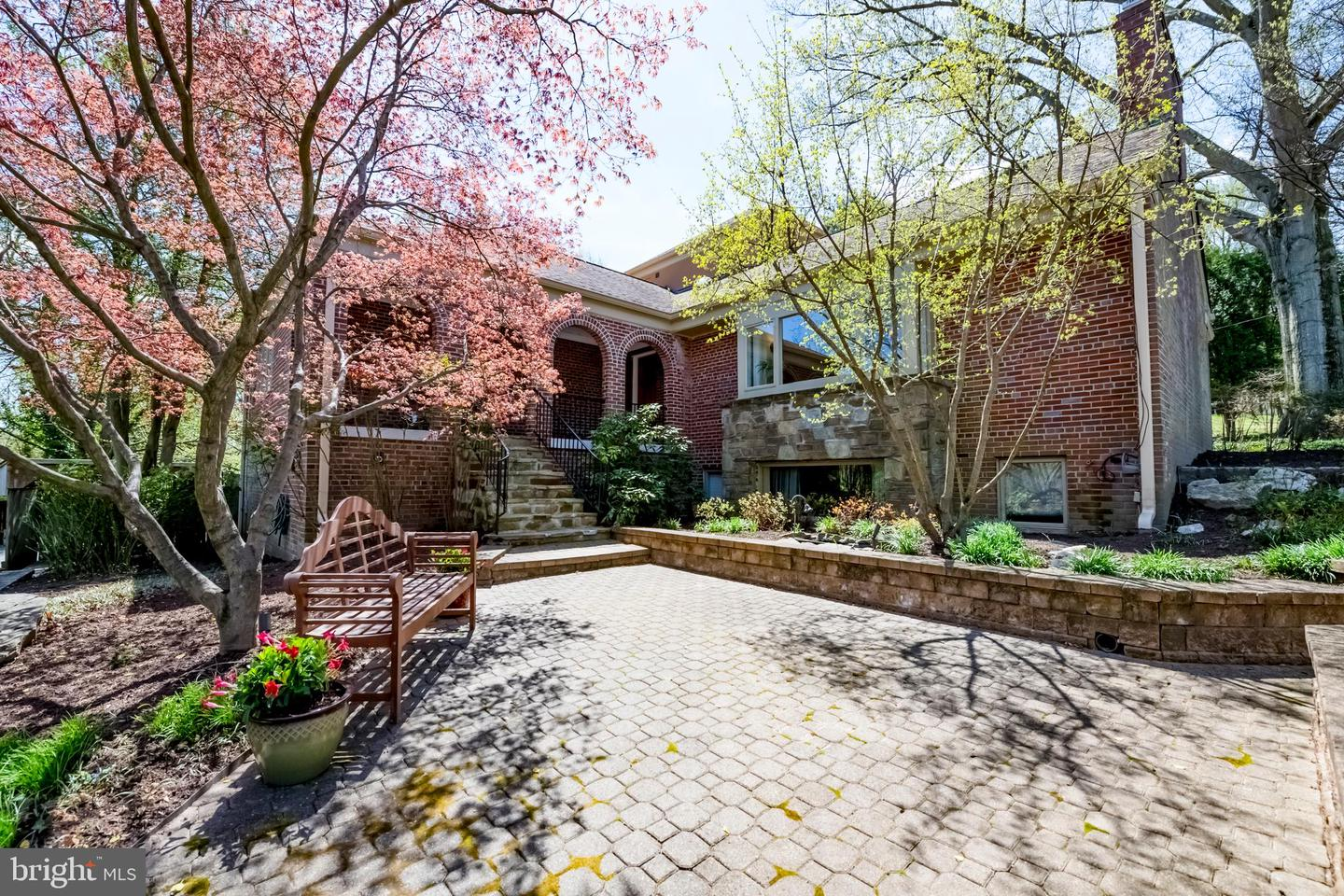 Single Family for Sale at 9211 Levelle Dr 9211 Levelle Dr Chevy Chase, Maryland 20815 United States