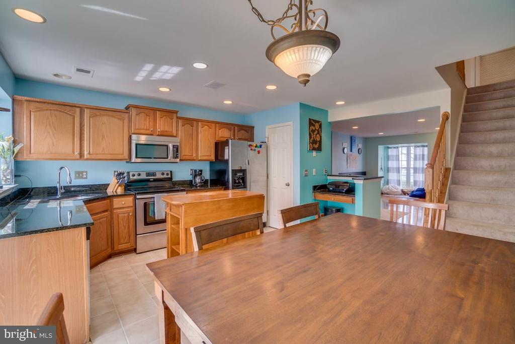 Kitchen - 8875 BENCHMARK LN, BRISTOW