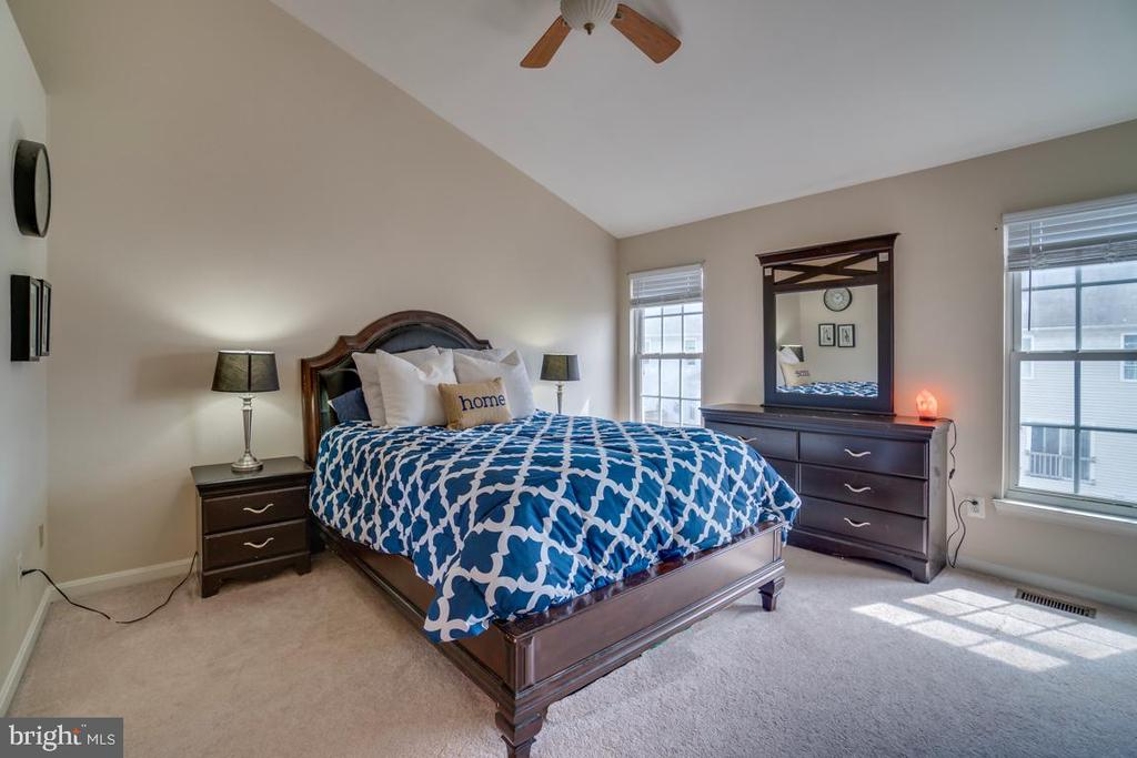 Master Bedroom - 8875 BENCHMARK LN, BRISTOW