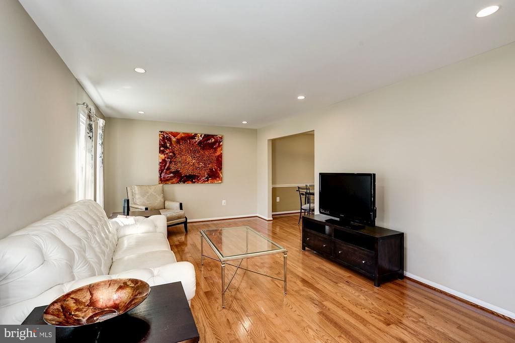 Living room w/ new hardwood floors throughout main - 8515 ORDINARY WAY, ANNANDALE