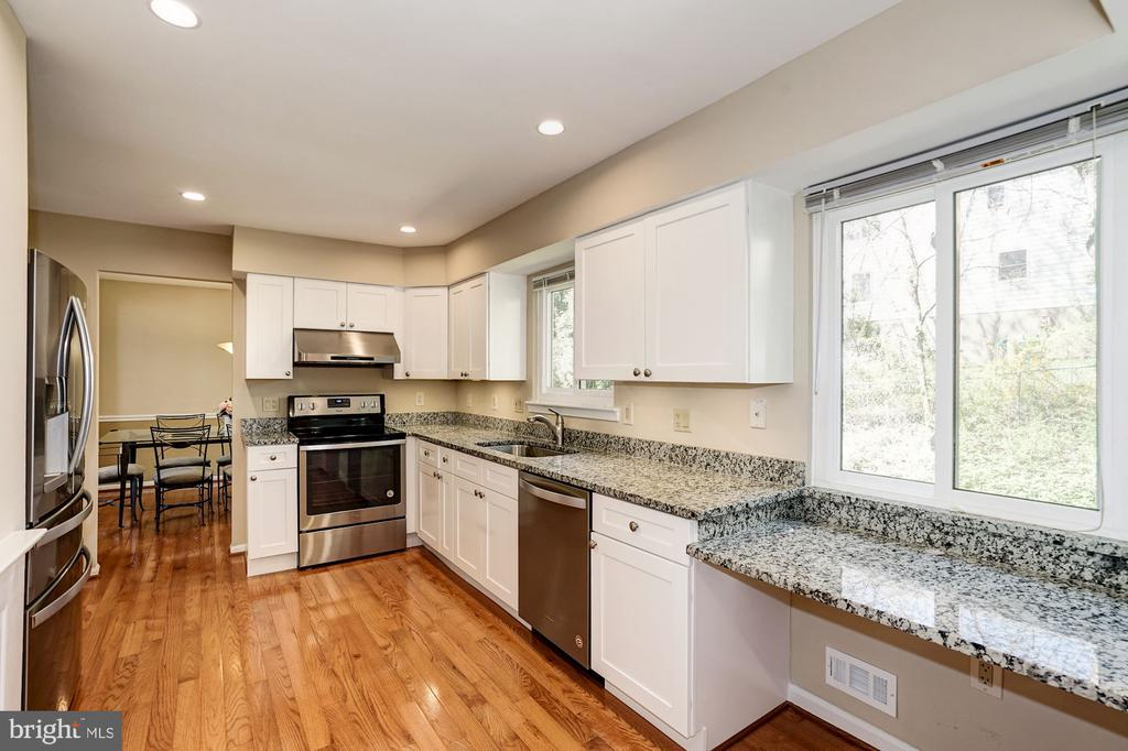 Kitchen has a built-in desk area & cabinet pantry - 8515 ORDINARY WAY, ANNANDALE