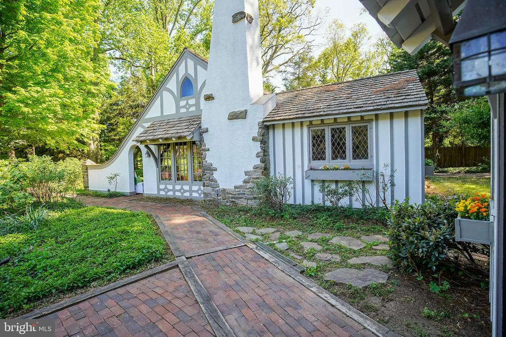 Guest Cottage 2bed 1bath additional full bathhouse - 869 CHILDS POINT RD, ANNAPOLIS