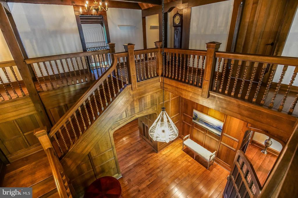 Upstairs foyer view - 869 CHILDS POINT RD, ANNAPOLIS