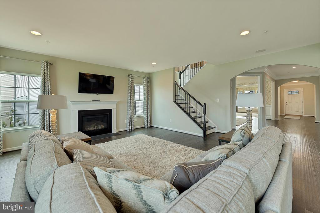 FAMILY ROOM WITH GAS FIREPLACE - 2 GAVER WAY, MIDDLETOWN
