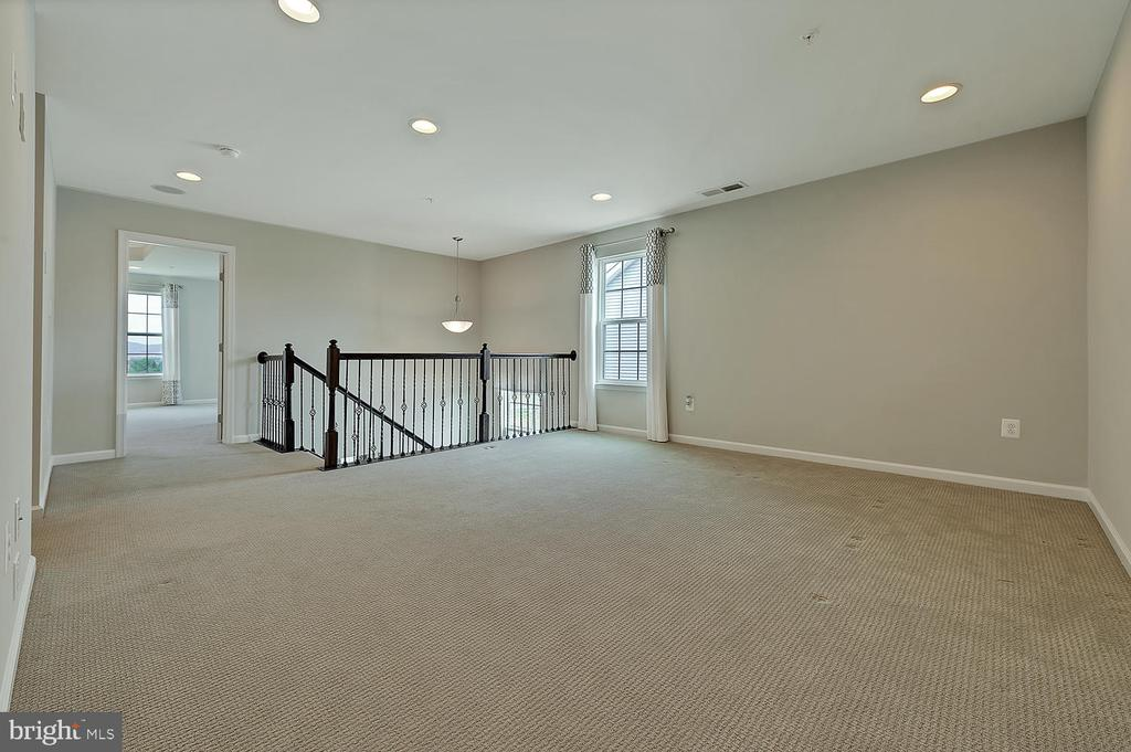 LOFT AREA CAN BE USED AS BONUS ROOM/OFFICE - 2 GAVER WAY, MIDDLETOWN
