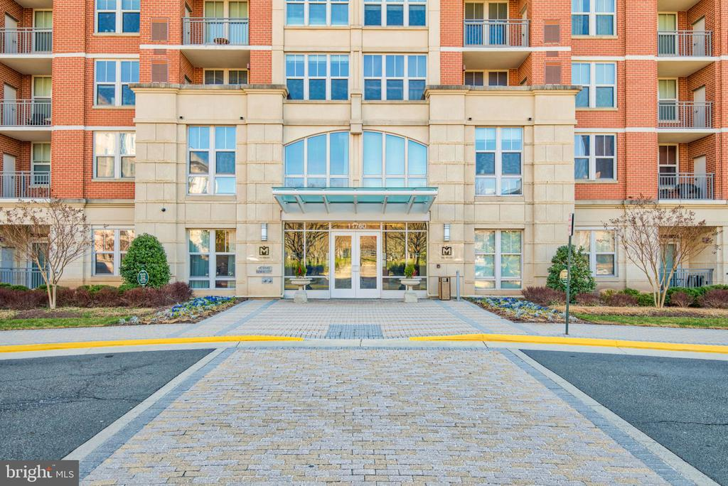 - 11760 SUNRISE VALLEY DR #813, RESTON
