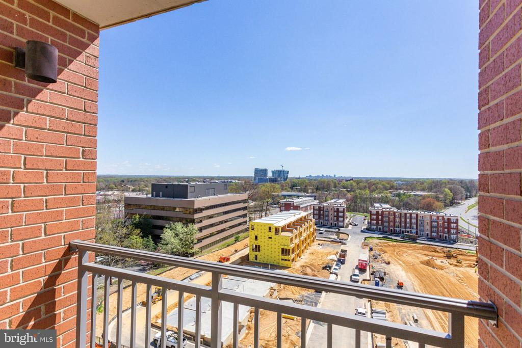You can see Tysons from your balcony - 11760 SUNRISE VALLEY DR #813, RESTON