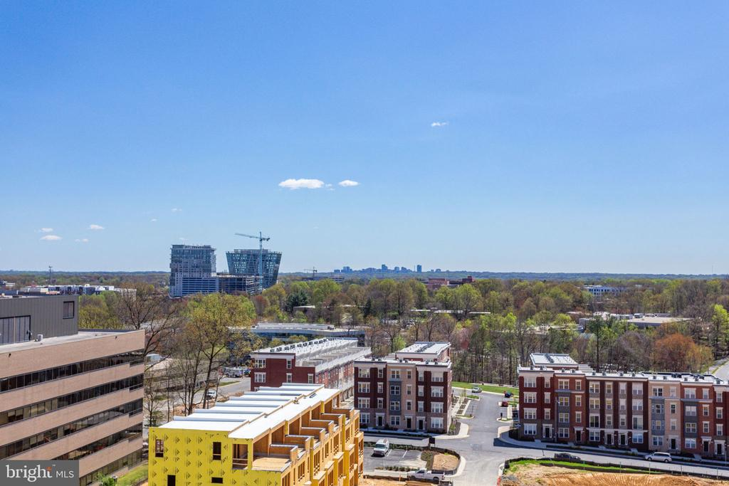 Stunning views - 11760 SUNRISE VALLEY DR #813, RESTON
