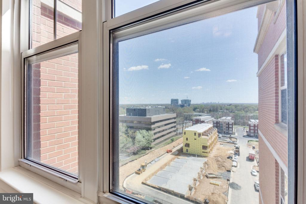 Incredible views - 11760 SUNRISE VALLEY DR #813, RESTON