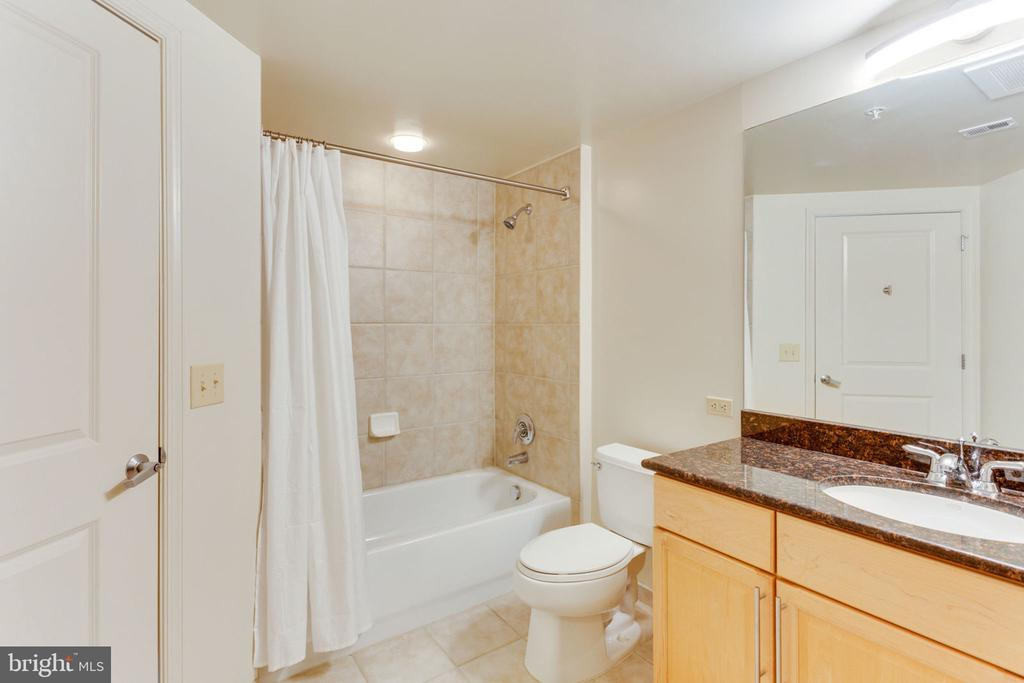 Bathroom # 2 - 11760 SUNRISE VALLEY DR #813, RESTON
