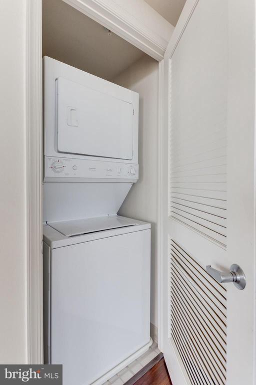 Stackable Washer/Dryer unit - 11760 SUNRISE VALLEY DR #813, RESTON