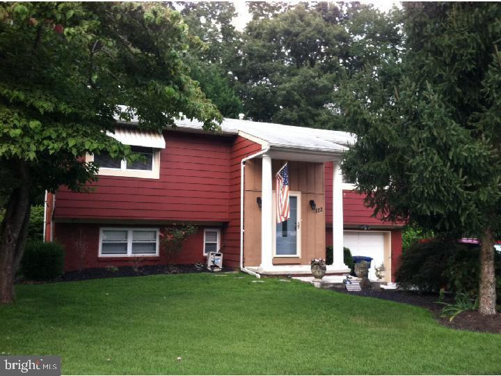 Maison unifamiliale pour l Vente à 122 OAK PINES BLVD Pemberton, New Jersey 08068 États-Unis