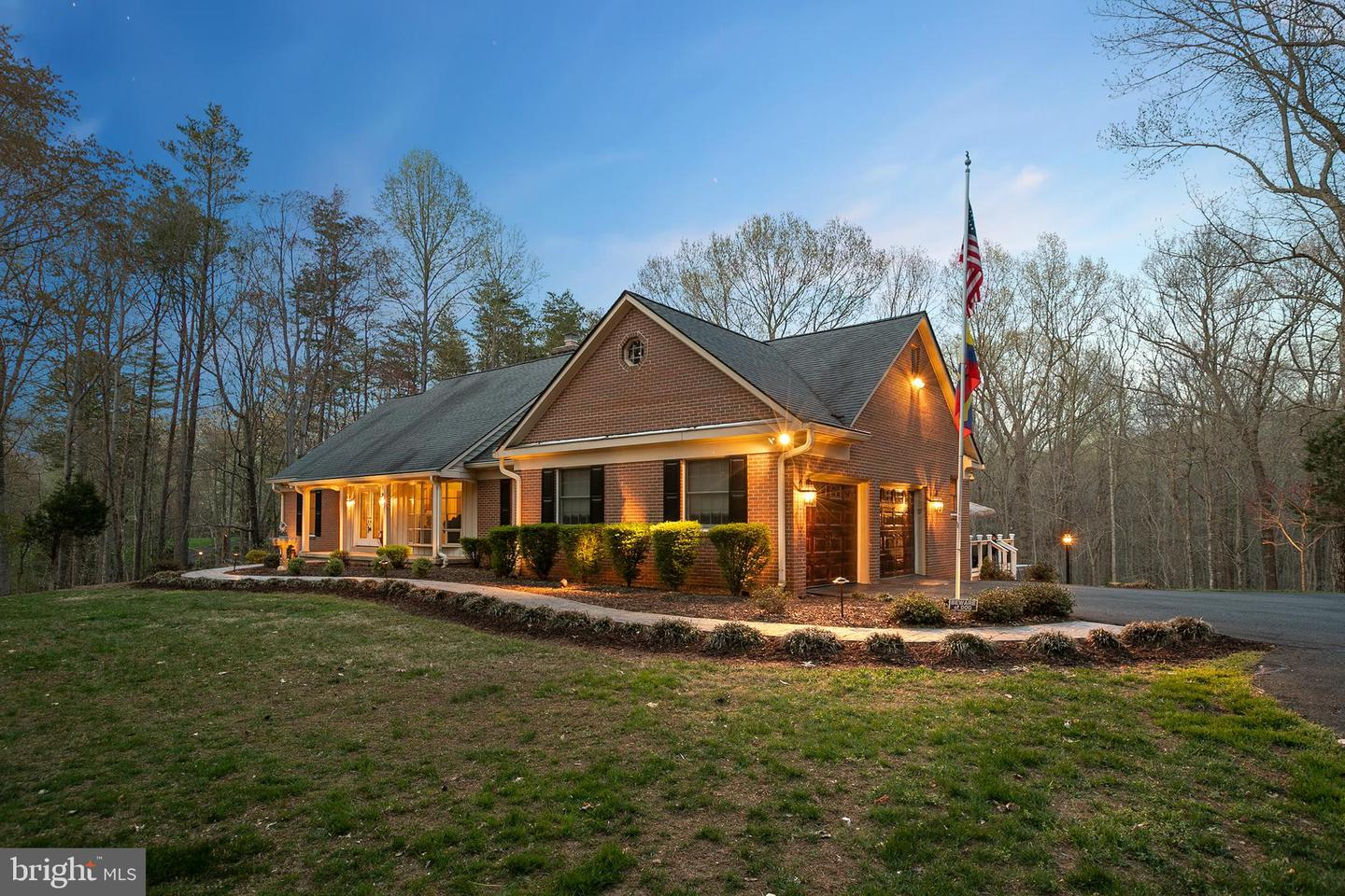 Single Family for Sale at 7323 Clifton Rd Clifton, Virginia 20124 United States