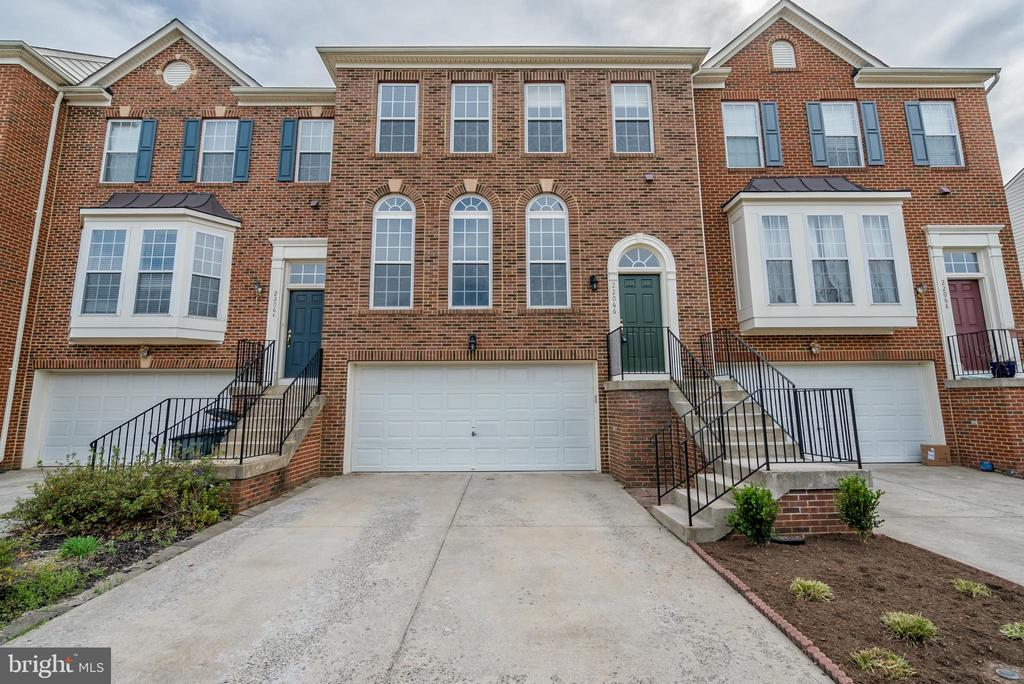 22066  CHELSY PAIGE SQUARE, Ashburn in LOUDOUN County, VA 20148 Home for Sale