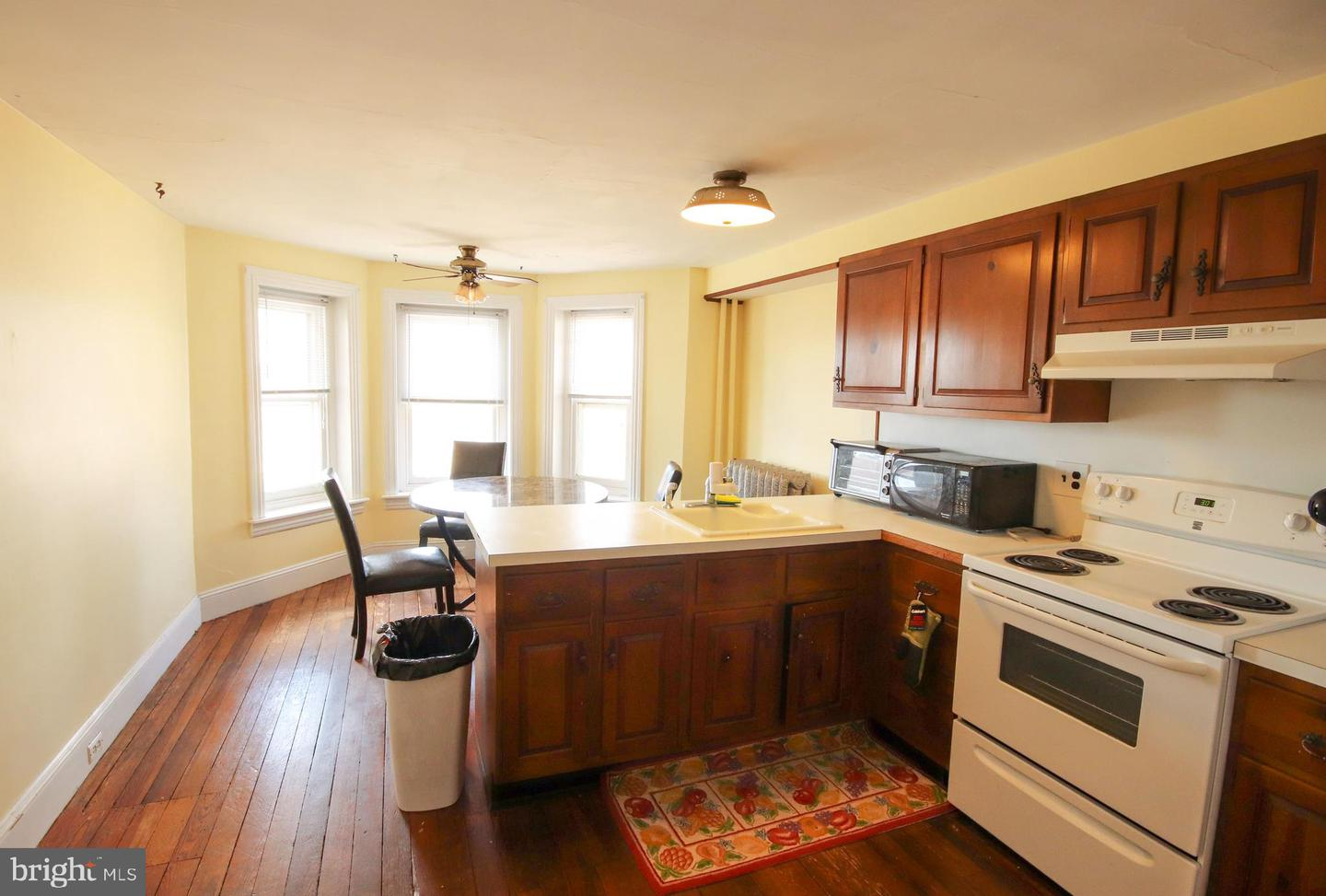 Additional photo for property listing at 201 N BROAD Street  Doylestown, Pensilvânia 18901 Estados Unidos