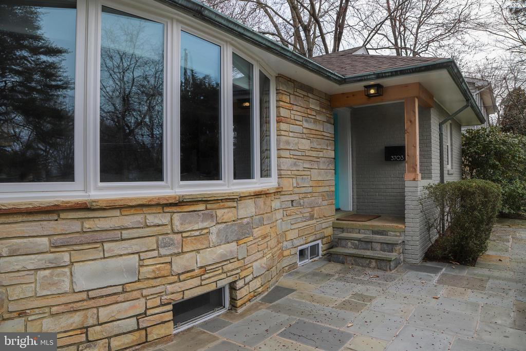 - 3703 TOLLGATE TER, FALLS CHURCH
