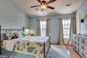Large Master Bedroom with vaulted ceiling - 111 SENTRY RDG, SMITHSBURG