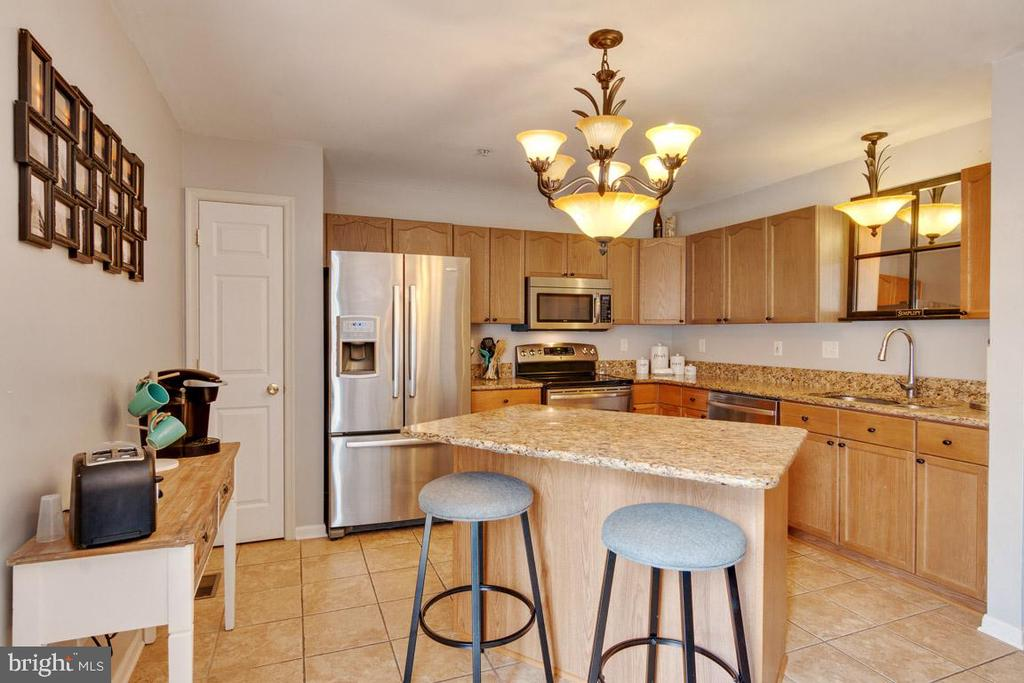 Kitchen island adds to prep space and eating area - 111 SENTRY RDG, SMITHSBURG