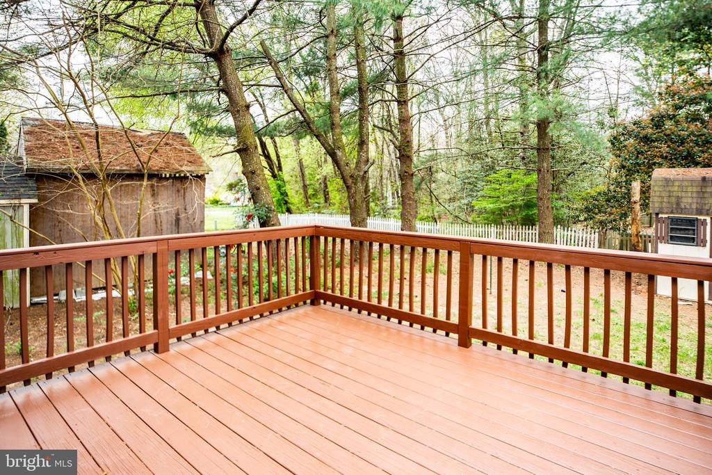 Enjoy the fresh air on the back deck. - 2015 MERRYMOUNT DR, FREDERICKSBURG