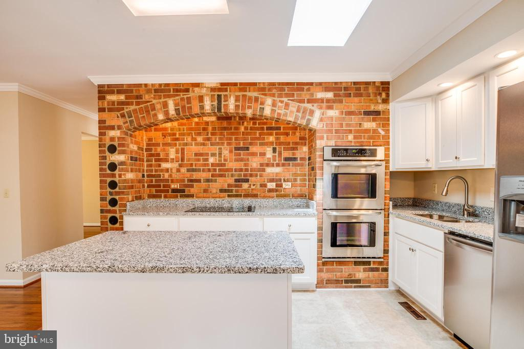 Brick in kitchen adds a charming touch. - 2015 MERRYMOUNT DR, FREDERICKSBURG