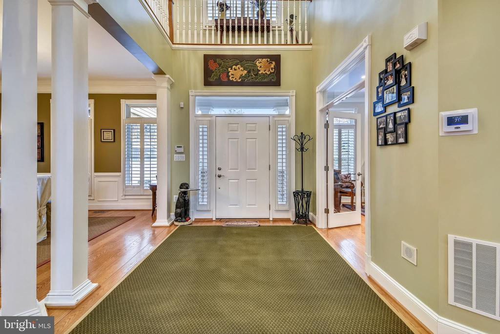 TWO STORY ENTRANCE FOYER - 2017 WOODFORD RD, VIENNA