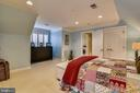 GUEST BEDROOM SUITE - 2017 WOODFORD RD, VIENNA