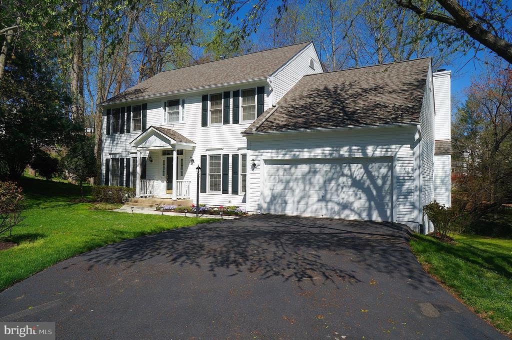 Roof with Architectural Shingles & Gutter Guards - 11 WESTBROOK LN, STAFFORD