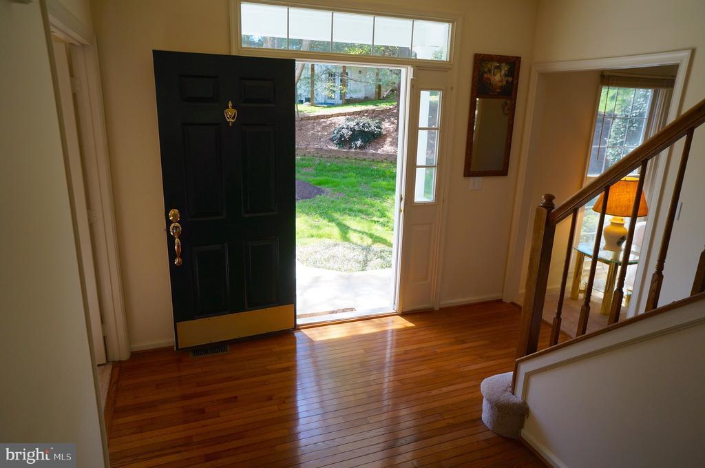 Entry Door w/ Transom Window & Dual 1/2 Sidelight - 11 WESTBROOK LN, STAFFORD