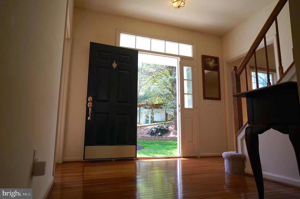 View through Front Door from Foyer - 11 WESTBROOK LN, STAFFORD