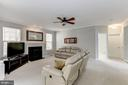 Gas fireplace in family room - 42848 CROWFOOT CT, ASHBURN
