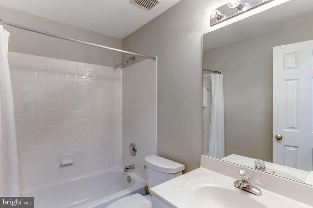 Full bath in basement - 42848 CROWFOOT CT, ASHBURN