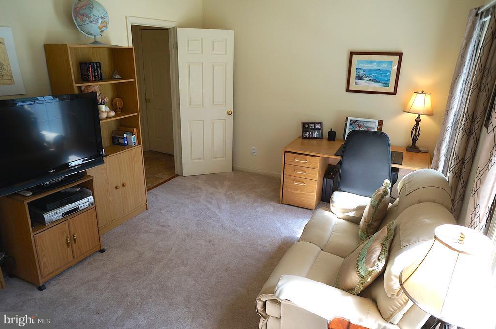 Office has Carpet Flooring - 11 WESTBROOK LN, STAFFORD