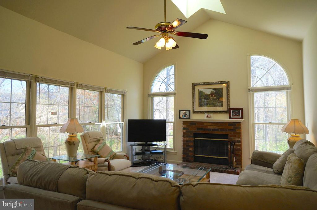 1/2 Moon Accent Windows Surround Fireplace - 11 WESTBROOK LN, STAFFORD